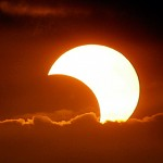 "Beautiful Photos of 2009 Solar Eclipse ""Ring"" Seen Over South East Asia"