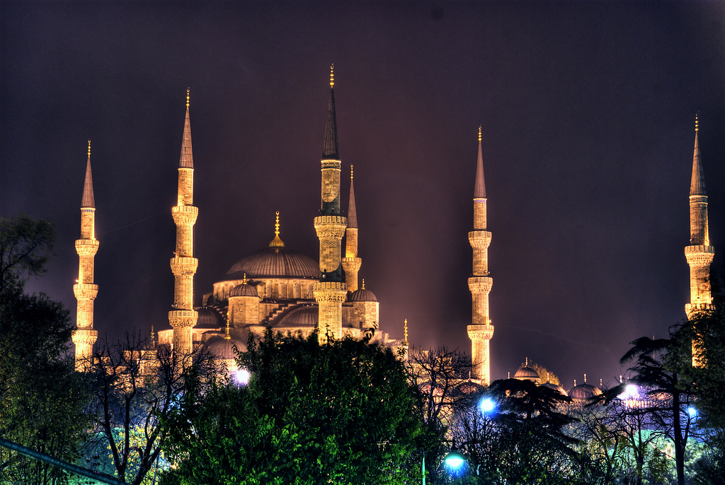 blue-mosque-lights2008