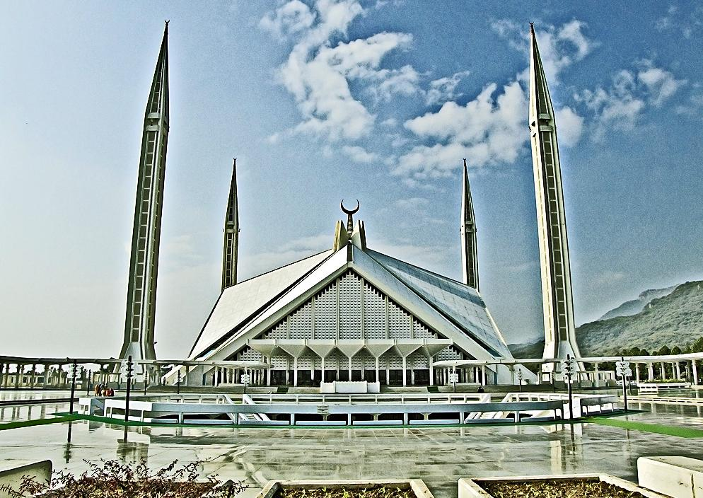 no9shahfaisalmosque-virgomairn