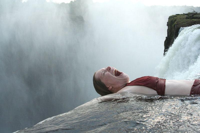 Victoria falls zimbabwe the most creepiest pool in the for Piscina del diablo
