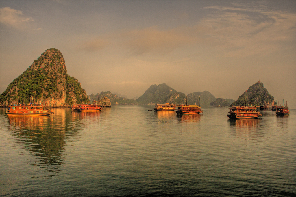 pretty-halong-bay-21