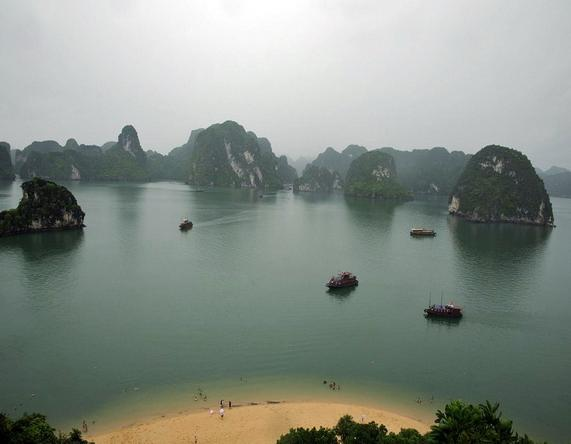 pretty-halong-bay-4