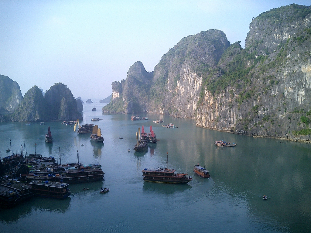 pretty-halong-bay-51