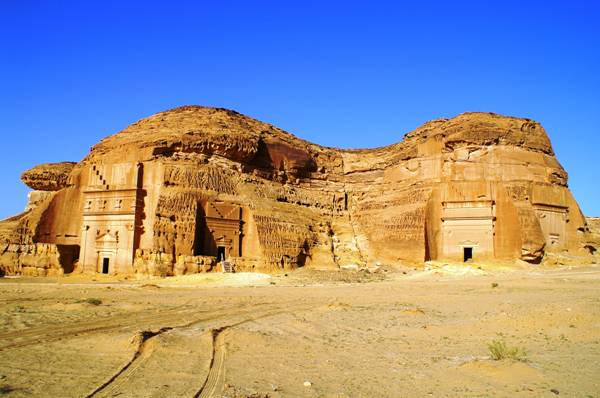 Madain Saleh: Monument of the Past [PICS]
