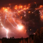Chile: Puyehue Volcano Eruption Followed by Large Cloud of Ash and Amazing Thunderstorms