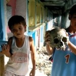 Poor Family Living with Dead in Manila