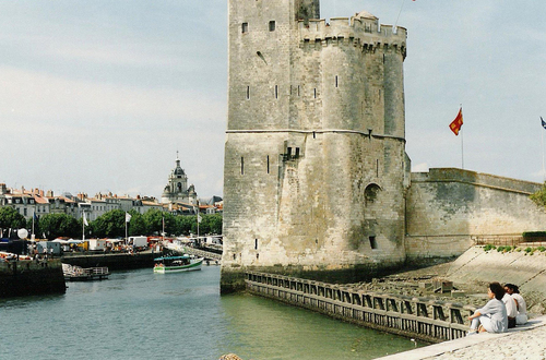 a town named la rochelle la rochelle possesses a. Black Bedroom Furniture Sets. Home Design Ideas