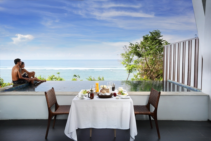 SAMABE - One Bedroom Ocean Pool Suite Breakfast on Terrace